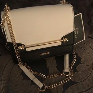 Adjustable chain strap bag